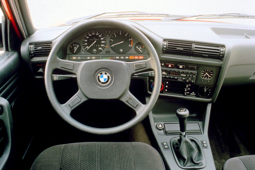 BMW 324td sedan E30 5