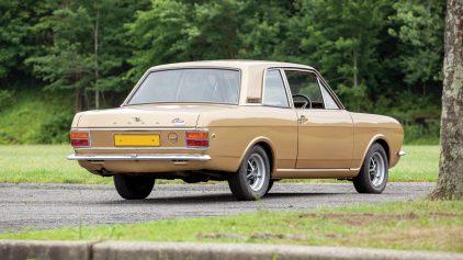Ford Cortina Lotus MkII 2