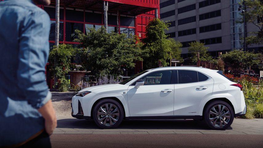 Lexus UX 250h 2022 (6)