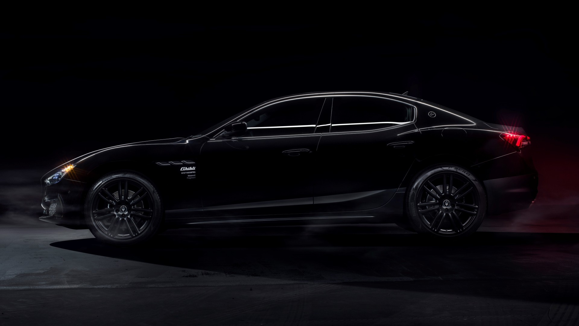 Maserati Ghibli Operanera y Operabianca, conjuntando el diseño italiano con la moda japonesa