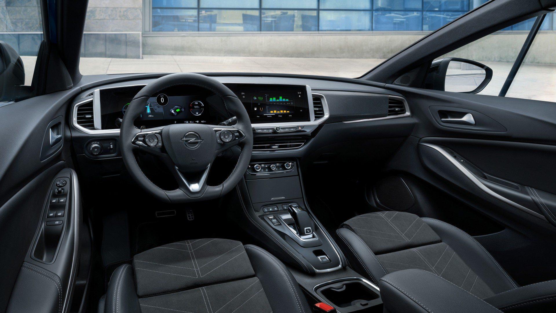 Opel Grandland Hybrid4 2021 (11)