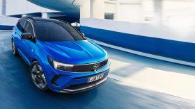 Opel Grandland Hybrid4 2021 (3)