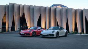 Porsche 911 GTS 2022 (1)