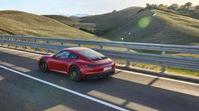 Porsche 911 GTS Coupe 2022 (5)