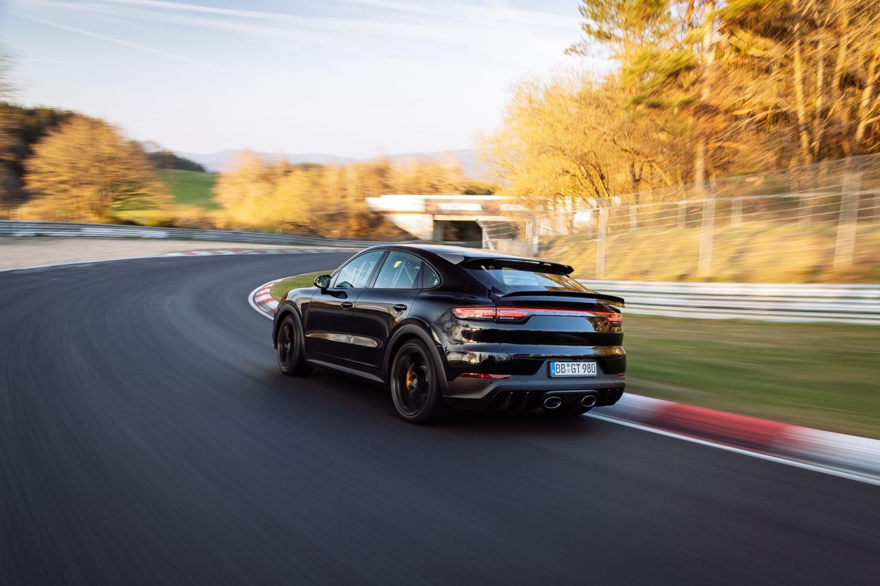 Porsche Cayenne Coupe Record Nurburgring (5)