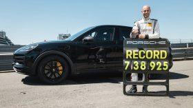 Porsche Cayenne Coupe Record Nurburgring (6)