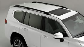 Toyota Land Cruiser 300 2022 (17)