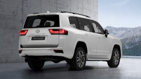 Toyota Land Cruiser 300 2022 (2)