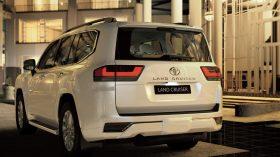 Toyota Land Cruiser 300 2022 (32)