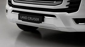 Toyota Land Cruiser 300 2022 (8)