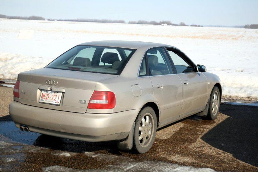 Audi A4 28 quattro B5 8D