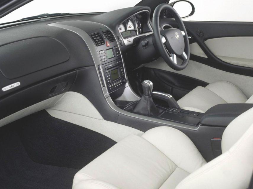 Holden Monaro CV8 R 2003 3