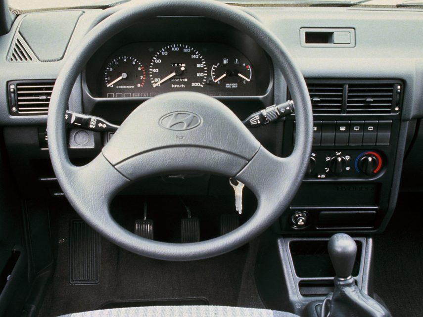 Hyundai Pony 4p X2 2