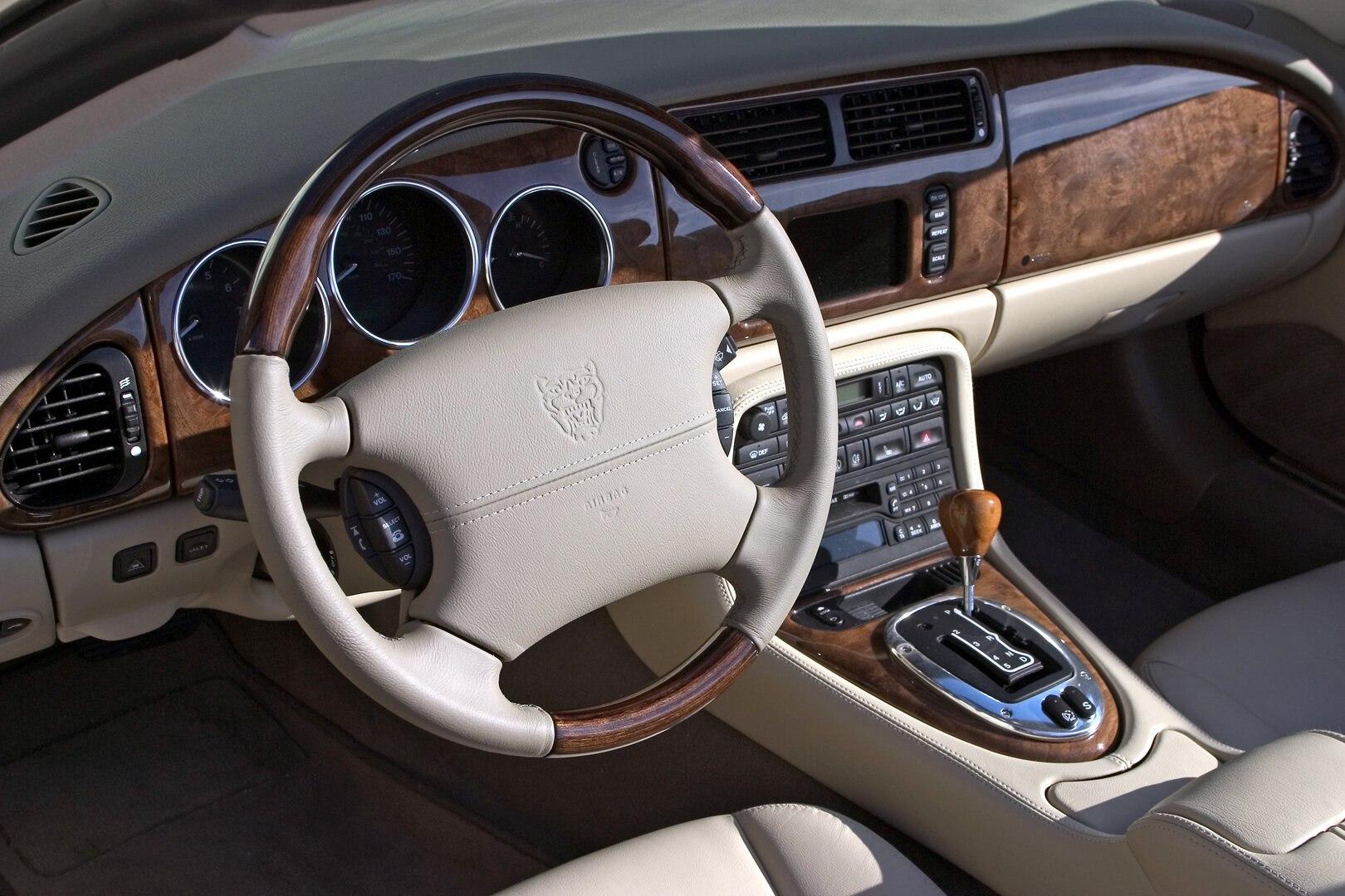 Jaguar XK8 2004 2