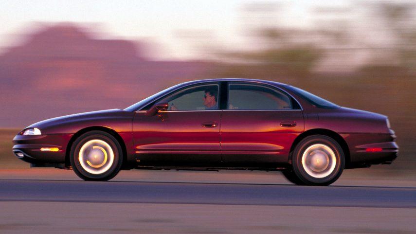 Oldsmobile Aurora I 3