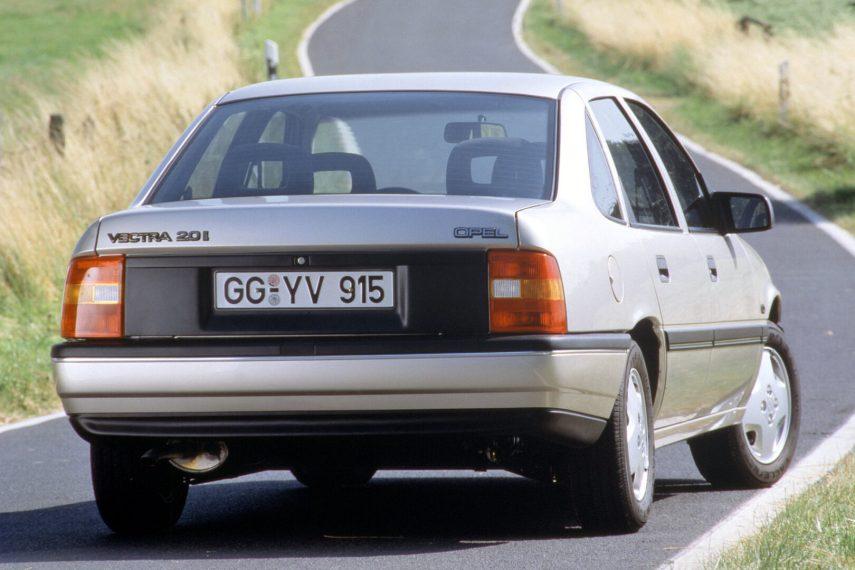 Opel Vectra 20i CD sedan 1988 3