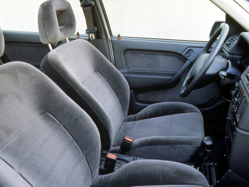 Opel Vectra 20i CD sedan 1988 4