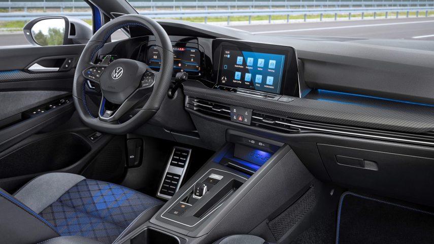 Volkswagen Golf R Variant 2021 (17)
